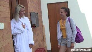 Lesbo teens Sabrina and Nicoleta masturbating
